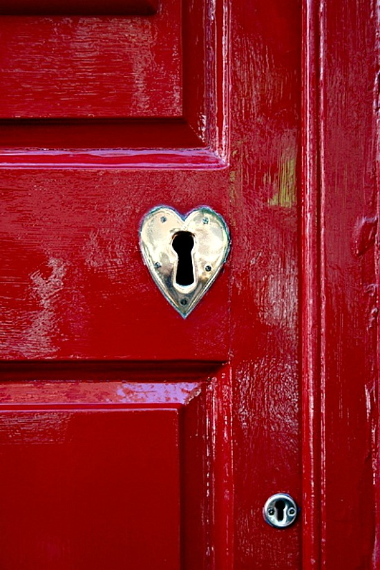 red-door-heart-lock