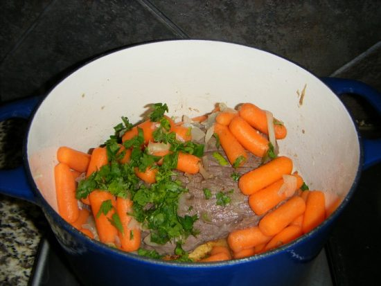 baby carrots onions and parsley