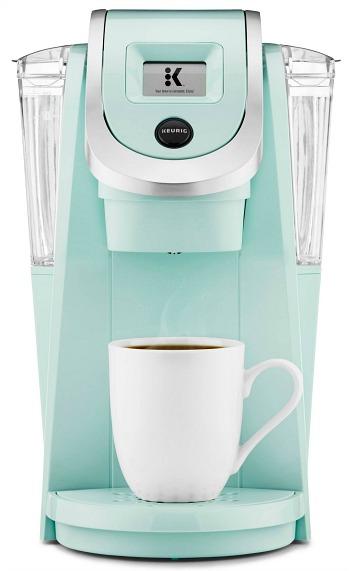 Keurig-coffee-maker-dorm-room