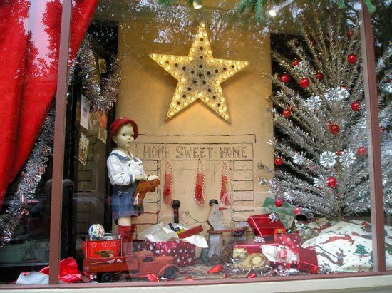 vintage-Christmas-window