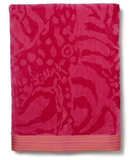Lilly-Pulitzer-target-home_beach-towel---giraffing-me-crazy