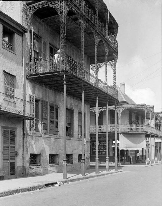 808px-LePretre_Mansion_Orleans_St_Pharmacy_1958