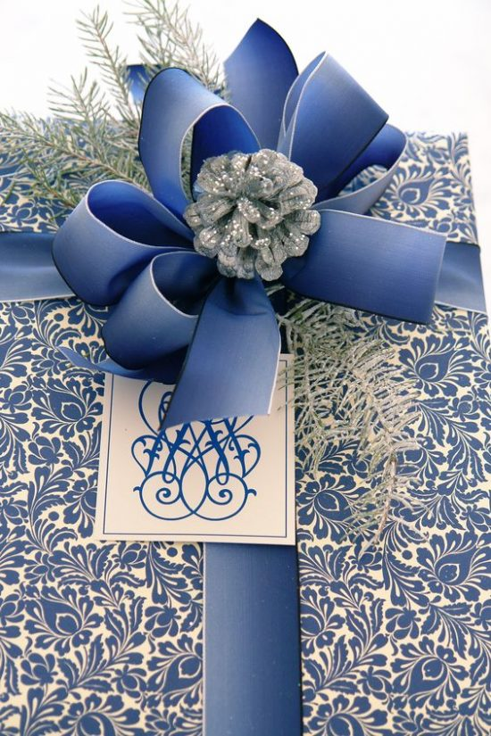 blue-wrapped-gifts-carolyn-roehm