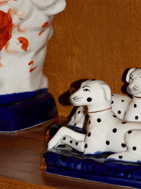 porcelain-dogs