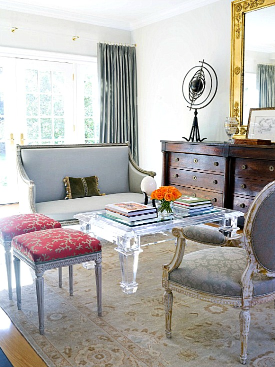 traditional-living-room-Lucite-coffee-table