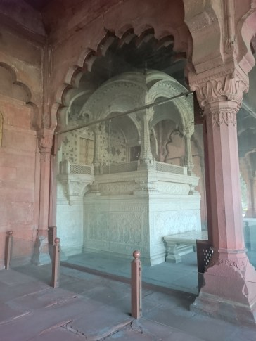 Marble Throne, Red Fort