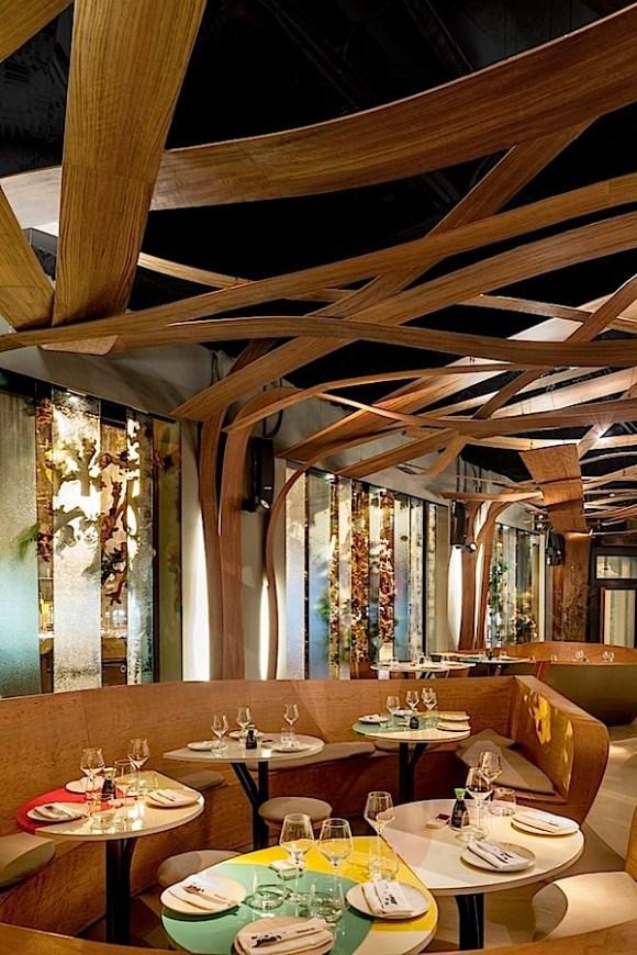 Desain-Interior-Modern-Eksentrik-Restoran-Ikibana-071