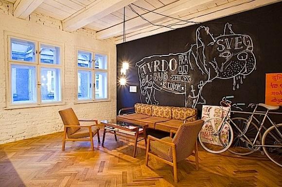 Desain-Interior-Modern-Penuh-Gaya-untuk-Kantor-011