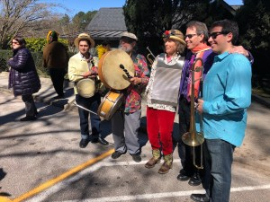 Mick Kinney and friends took us in a festive march around the lake for Mardi Gras.