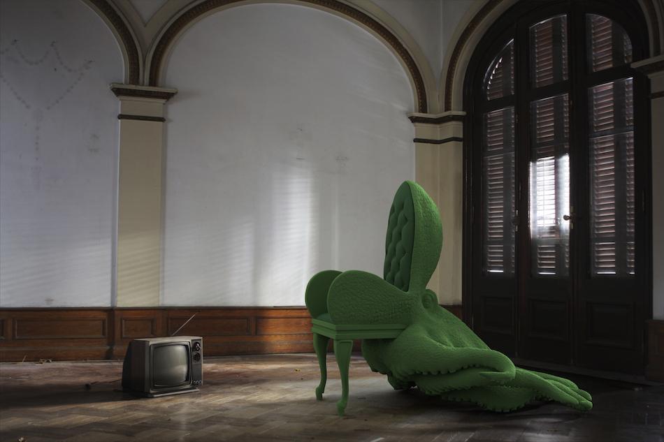 content_plain-magazine-reira-animal-chairs-02