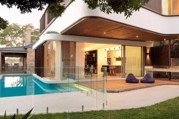 Luigi Rosselli Architecture Wraparound Pool House