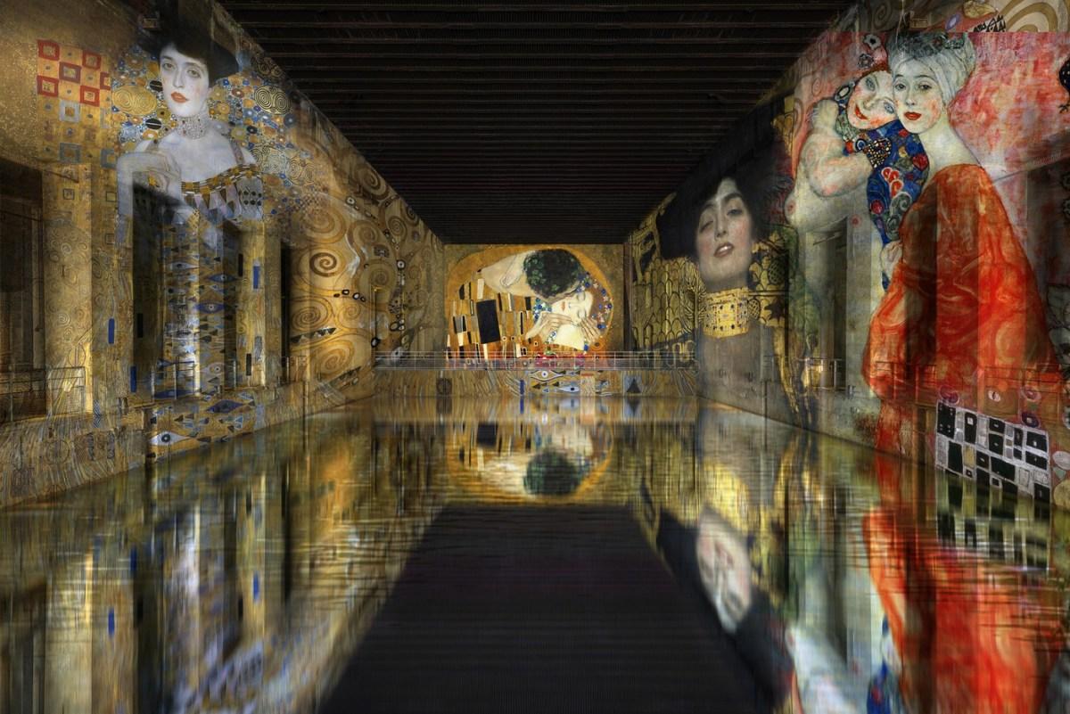 Bassin de Lumieres Bordeaux digital art center