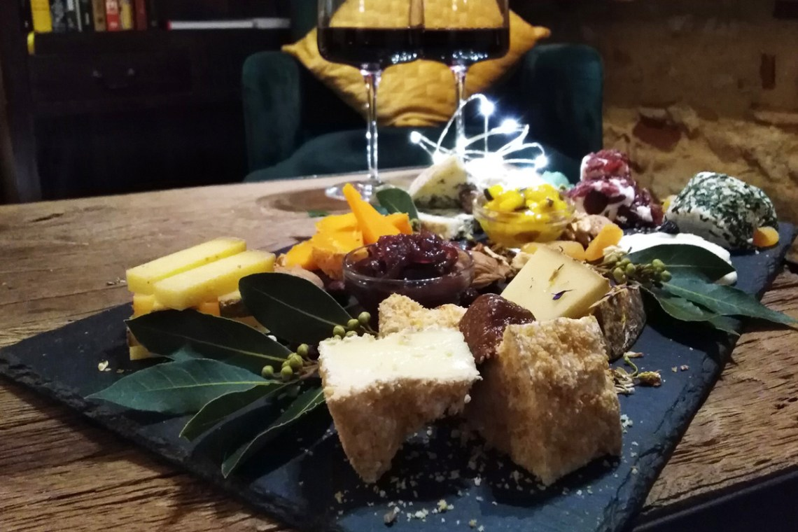 Christmas cheese platter