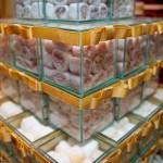 Doces de casamento em caixinhas de vidro