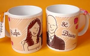 Lembrancinhas de casamento: canecas personalizadas com noivos