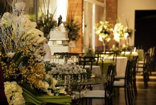 Casamento barato em Brasília - decoração Norma Buffet em verde e branco