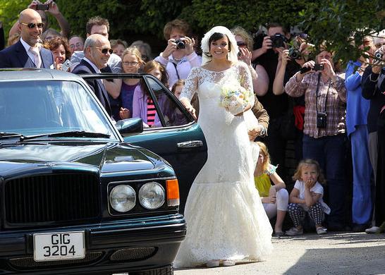 Casamento Lily Allen: a chegada da noiva