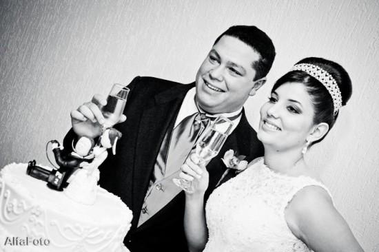 Casamento: brinde dos noivos - por Alfa Foto