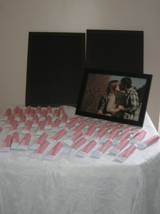 Brigadeiro em bisnaga da Cand Pop como lembrancinha de Chá Bar de casamento