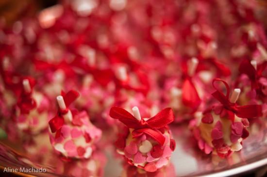 Docinhos de casamento diferentes: pirulibolo ou cakepop
