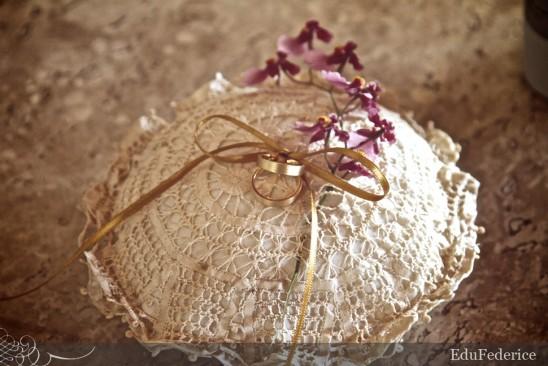 Almofada porta aliança de crochê. Foto: Edu Federice.