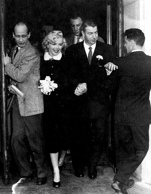 Vestido de noiva preto de Marilyn Monroe no casamento com Joe DiMaggio.