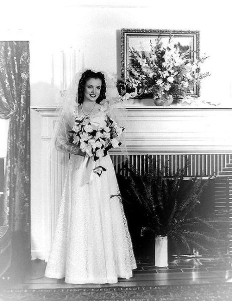 Vestido de noiva do primeiro casamento de Marilyn Monroe.