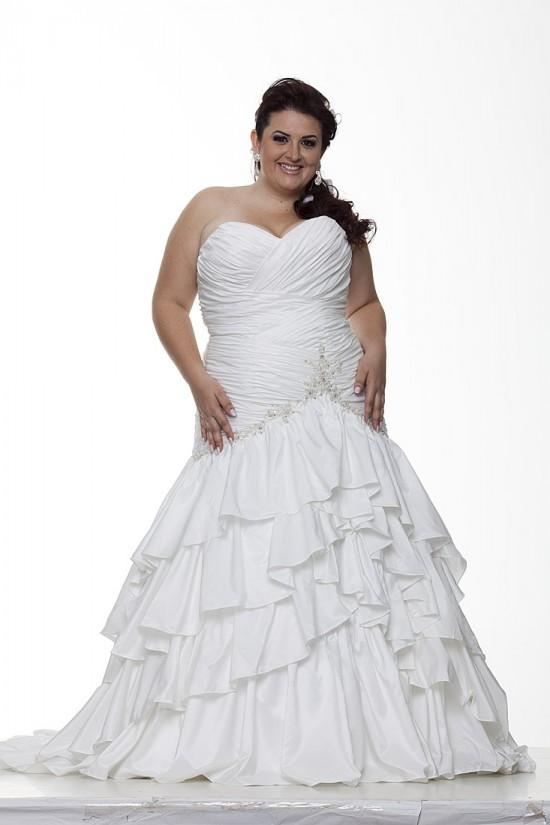 Vestido para noiva gordinha: saia em camadas.