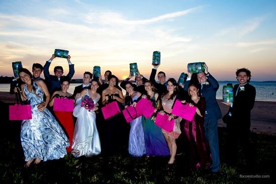 Presente de casamento dos noivos para madrinhas e padrinhos. Foto: Foco Estúdio.