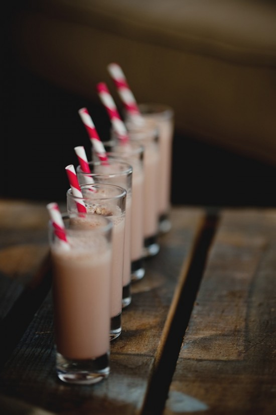 Mini milkshakes em copinhos. Foto: She'n'He