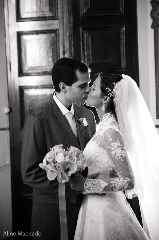 Vestido de noiva com manga comprida. Foto: Aline Machado.