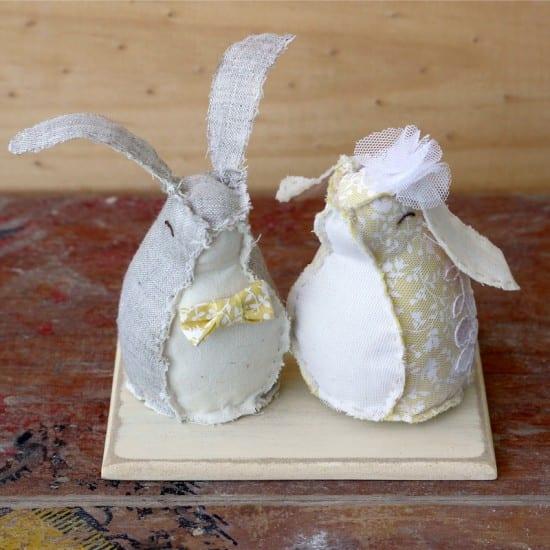 Topo de bolo de casamento: coelhos de tecido. Foto: Annita.