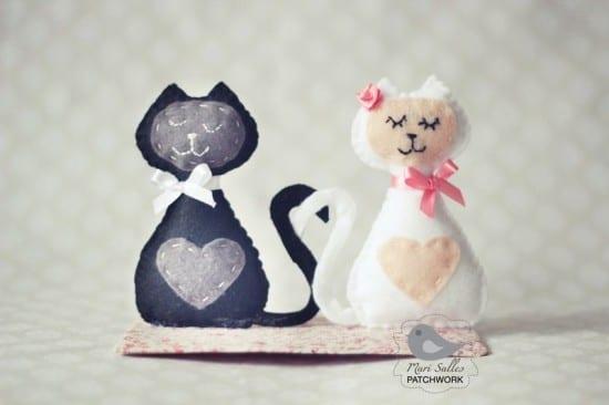 Noivinhos de topo de bolo de gatinhos em tecido. Mari Salles Patchwork.