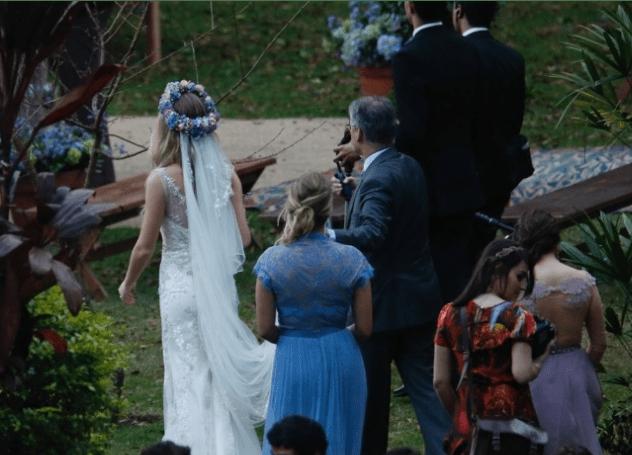 Casamento Fiorella Mattheis: véu e penteado da noiva.