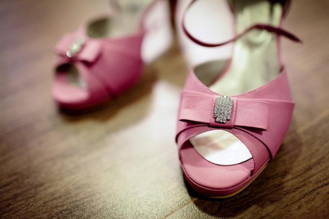 Sapato de noiva: peep toe rosa.