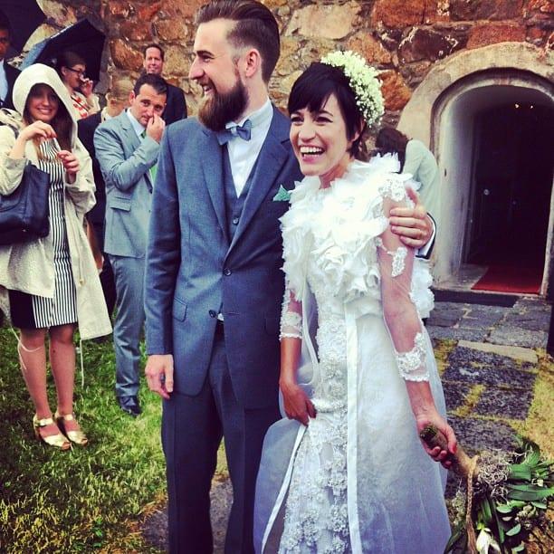 Noivo de barba e noiva de cabelo curto: destination wedding na Europa.