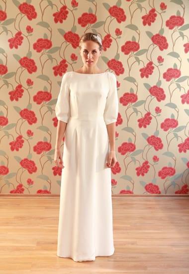 Vestido de noiva de manga comprida do ateliê Soeurs Waziers.