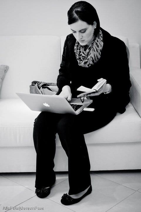 Cíntia Costa: blogueira do Planejando Meu Casamento