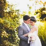 Casamento no campo: noivo e noiva na natureza. Foto: 18 Elementos.