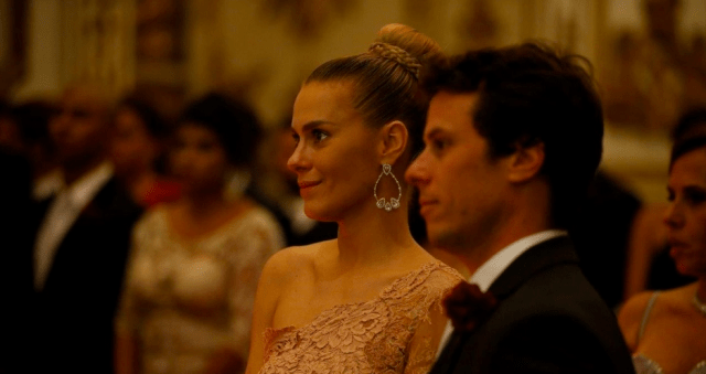 Carolina Dieckman de madrinha no casamento de Preta Gil e Rodrigo Godoy.
