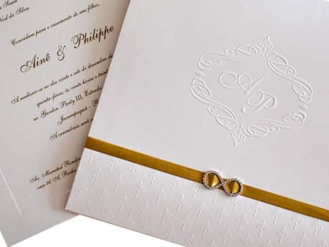 Convite de casamento chique de Eilá Nigri Designs com símbolo do infinito.