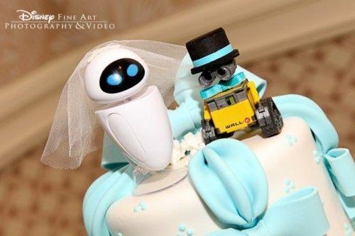 Noivinhos de topo de bolo: Wall-E e EVA.