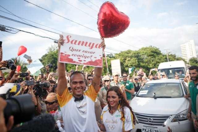 Pedido de casamento no tour de revezamento da tocha olímpica no Maranhão. Olimpíadas Rio 2016.