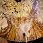 Mesa do jantar, com prataria e prendedor de guardanapo. Casamento ostentação do casal milionário Djalma e Priscila. Foto: Celso Junior e Ueslei Marcelino.