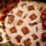 Chocolate personalizado com iniciais dos noivos. Casamento ostentação do casal milionário Djalma e Priscila. Foto: Celso Junior e Ueslei Marcelino.