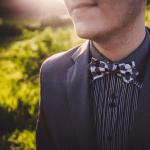 Casamento: gravatas borboleta para noivos e padrinhos combinando. Da marca Dois Maridos.