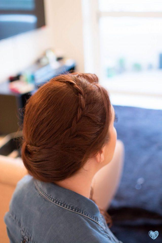 Making of: cabelo e maquiagem de noiva ruiva em domicílio Mayara Bandeira. Foto: Nay Santos.