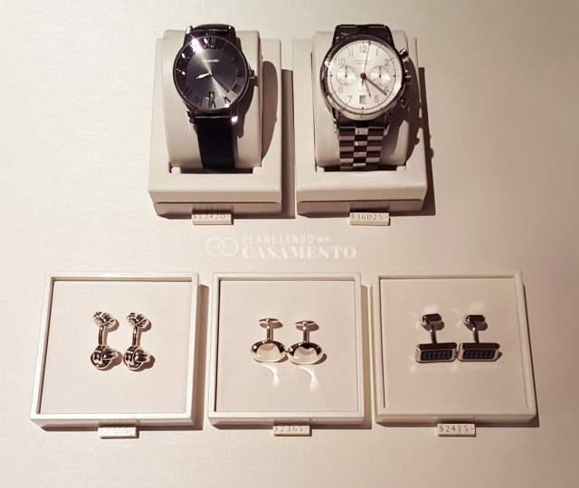 Tiffany Love Stories: acessórios para noivos (abotoaduras e relógios). Foto: blog Planejando Meu Casamento.
