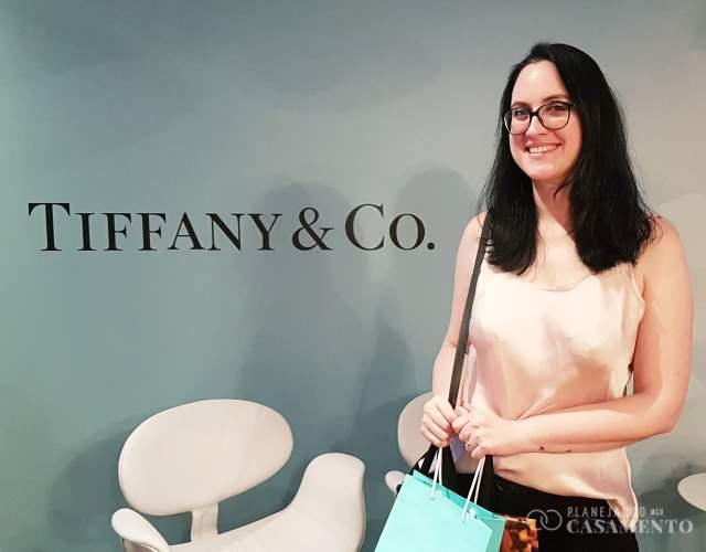 Blogueira de casamento Cíntia Costa, do Planejando Meu Casamento, no evento Tiffany Love Stories.