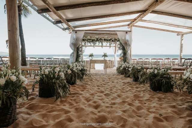Espaços para casamento na praia em Maresias: Luai Cabanas. Foto: Rodrigo Cypriano. Veja mais locais no site Planejando Meu Casamento ( www.planejandomeucasamento.com.br ).